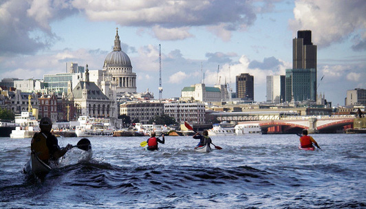 london kayakers on the Thames