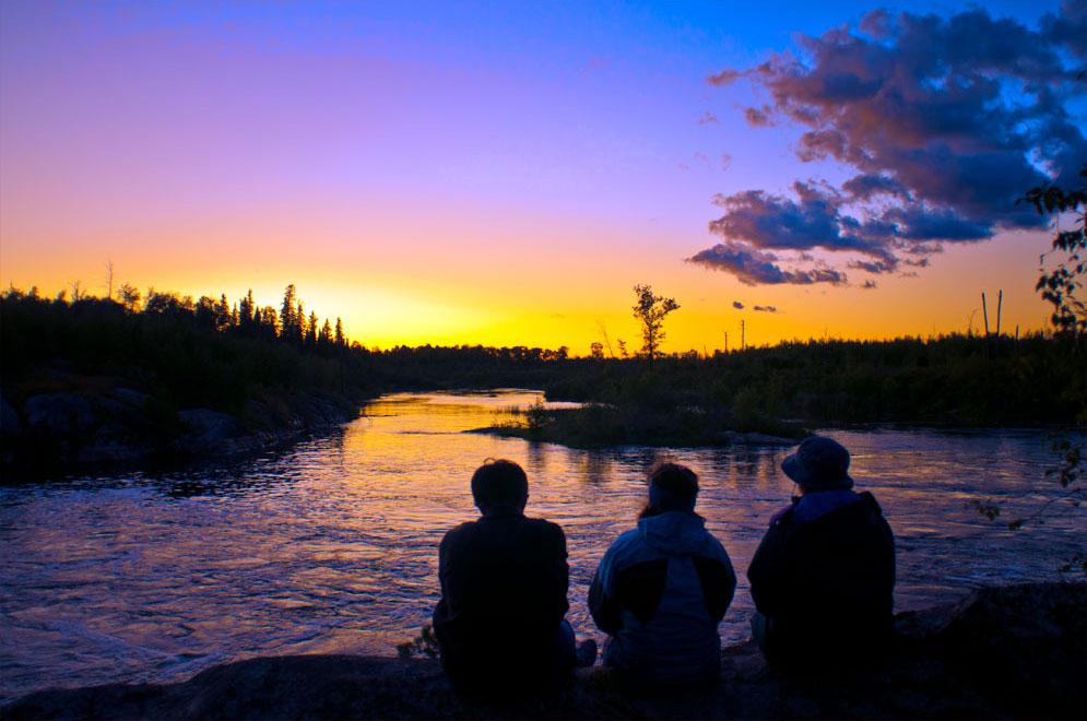 canoeing the Manigotagan river Manitoba (1)