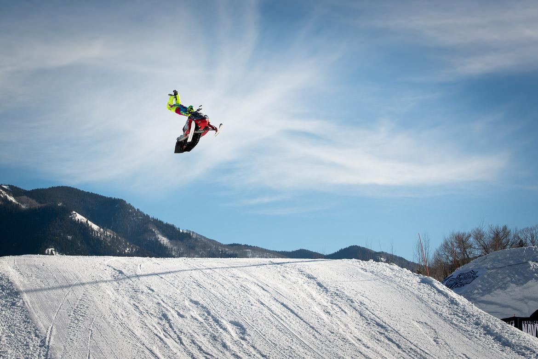 03-snowmobile-jump-xgames