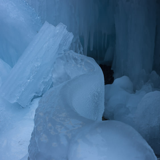maligne-canyon-ice-walk-01a