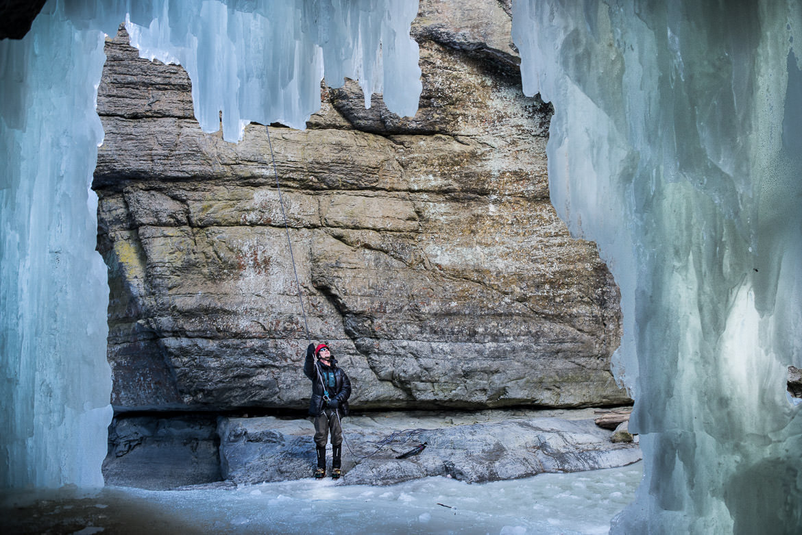 maligne-canyon-ice-walk-10