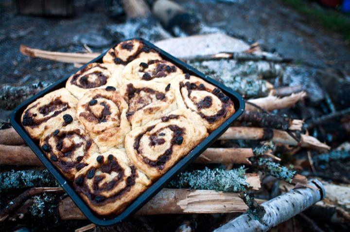 Fresh riverside cinnamon buns