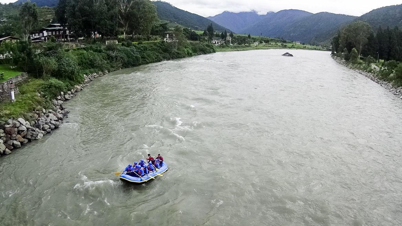 bhutan-rafting