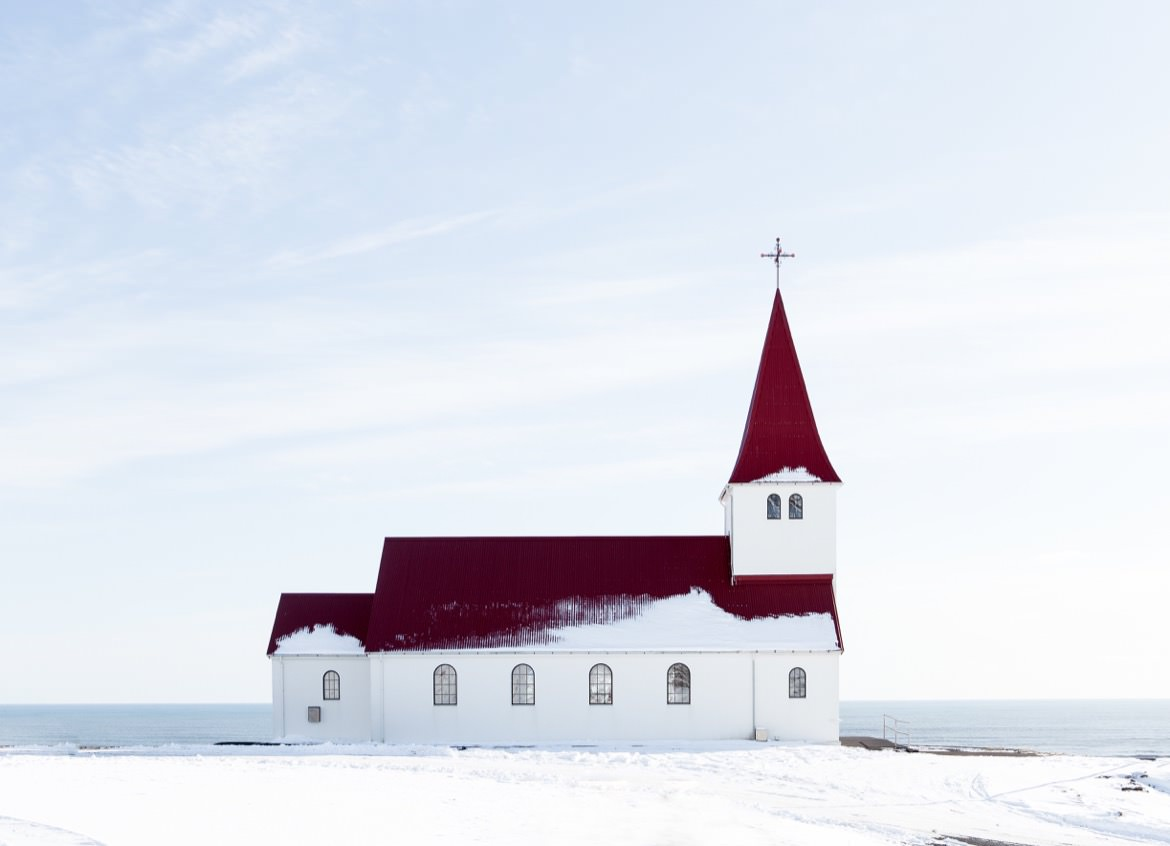 20_iceland_red_roof