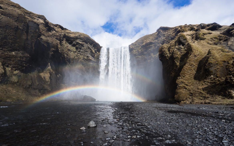 21_iceland_skogafoss_falls