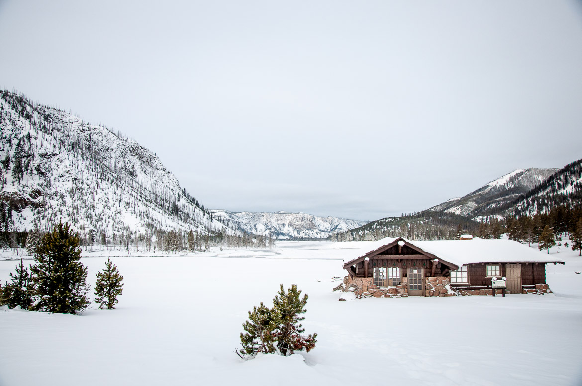 1-yellowstone-national-park-winter-cabin